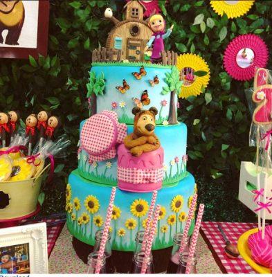 bolo decoração masha e o urso