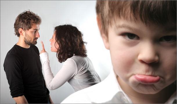 casal brigando- desestruturação da família