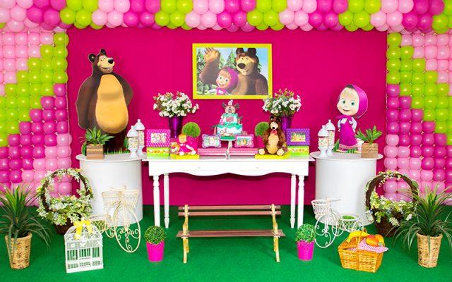 masha e urso em casa de festas